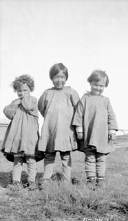 Two Métis Children with an Inuit Child at All Saints Residential School, Shingle Point, Yukon, 1930 / Deux enfants métis et une fillette inuite au pensionnat All Saints, Shingle Point, Yukon, 1930