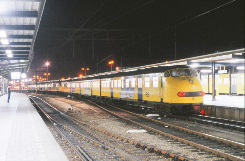 08435052-2739 Utrecht Centraal 18 augustus 1986 by peter_schoeber
