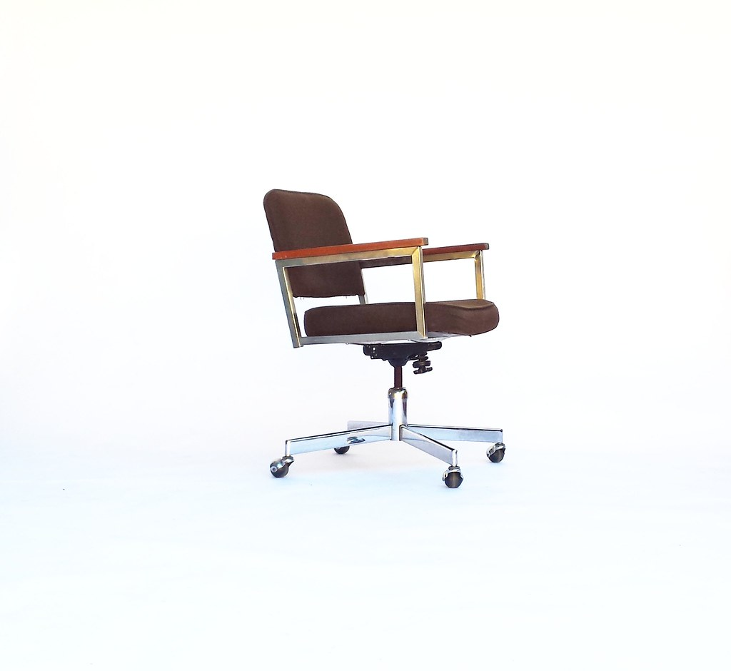 Awesome Vintage Executive Desk Chair Nubby Brown Upholstery Mid Ce Caraccident5 Cool Chair Designs And Ideas Caraccident5Info