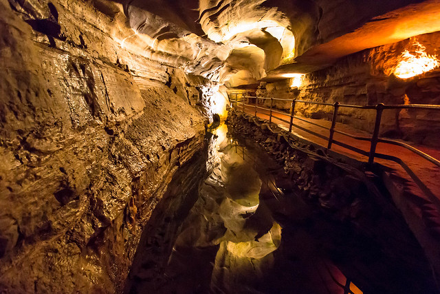Howe Caverns - Howes Cave, NY - 2012, Apr - 01.jpg