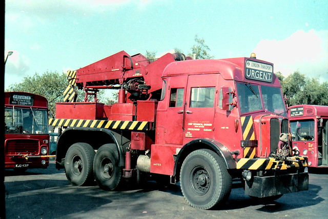 London Transport AEC Militant 1457MR + BL31 KJD431P with broken driveshaft! Edgware garage September 1980