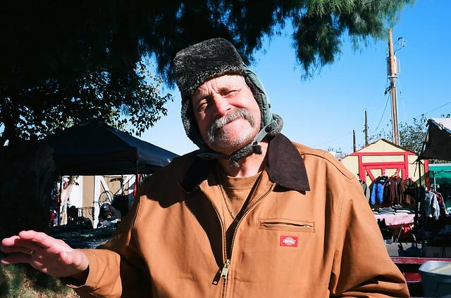 rollei 35 ektar100 old man in flea market