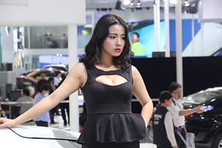 Models-@-BEIJING-AUTO-SHOW--02