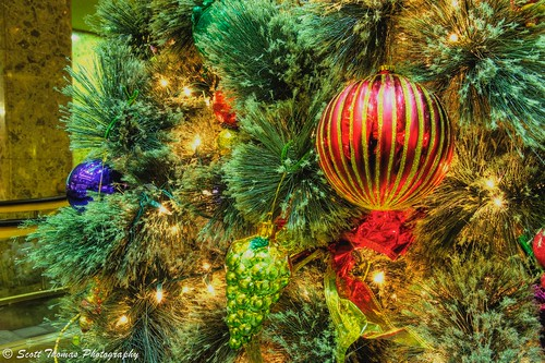 christmas decorations newyork building tree pine bulb night lights nikon shiny colorful downtown cone tripod artificial lobby ornaments reflective syracuse string ribbon needles atrium hdr 28300mm vr photomatix d700 yourphototips ithacastock