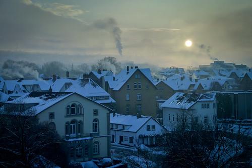 city morning schnee roof winter sun snow rooftop germany dust sonnenaufgang göttingen