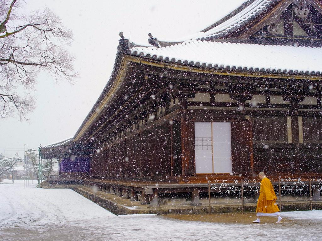 雪の三十三間堂