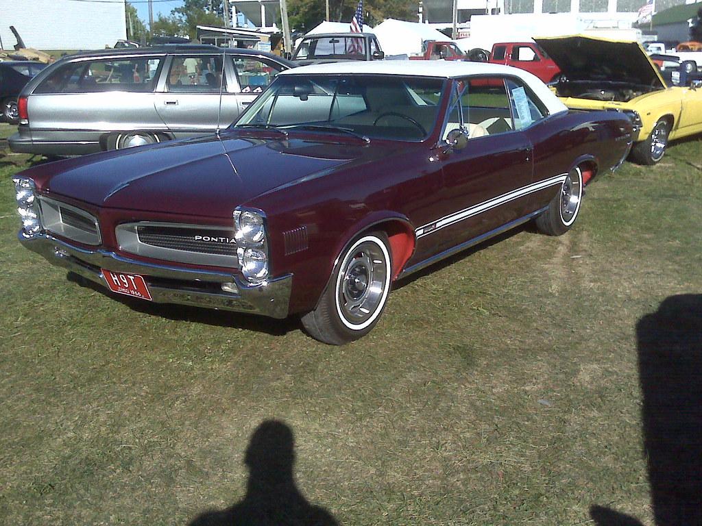 Canfield Swap Meet >> 1966 Pontiac Lemans Taken At Summer Canfield Ohio Swap Mee
