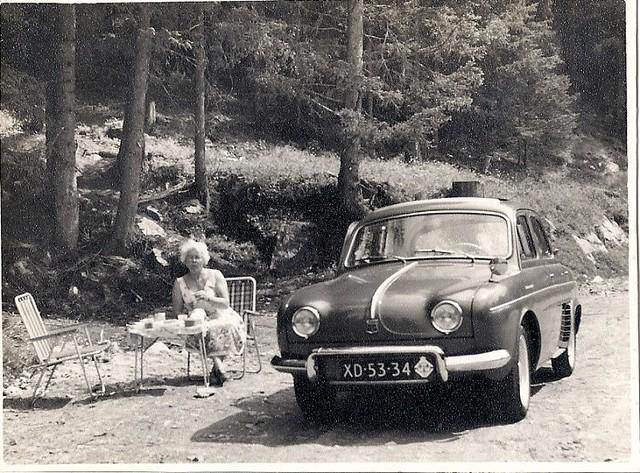 XD-53-34 Renault R1090 Dauphine 1957
