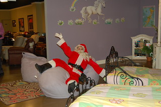 Tremendous Santa Falls Into A Pile Of Bean Bag Chairs Furnitureland Pdpeps Interior Chair Design Pdpepsorg