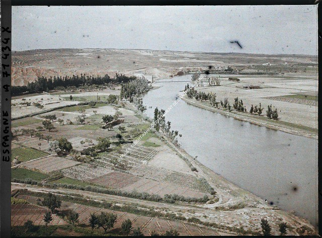 Río Tajo y huertas en la Playa de Safont entre el 15 y el 17 de junio de 1914. Autocromo de Auguste Léon. © Musée Albert-Kahn - Département des Hauts-de-Seine