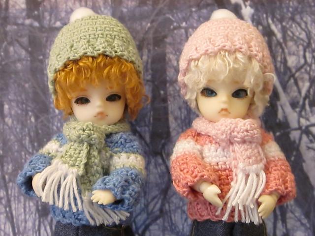 Jasmine & Naree get new sweaters