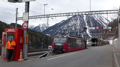 Tunelem Vereina jedeme z údolí Innu do Davosu, autovlaky urychlují dopravu po Švýcarsku a také ji zlevňují.