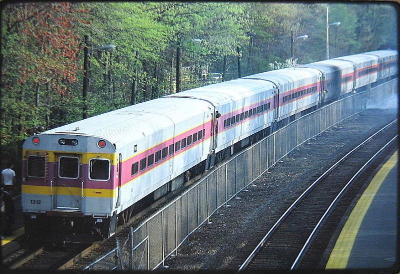 Mbta Commuter Rail Train Led By Pullman Ctc 1 Cab Car 1312 Flickr