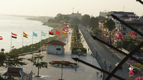holiday sunrise travels cambodia sisowathquay sisowath