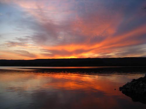 sunset orange reflection clouds spring easttn wattsbarlake springcitytn