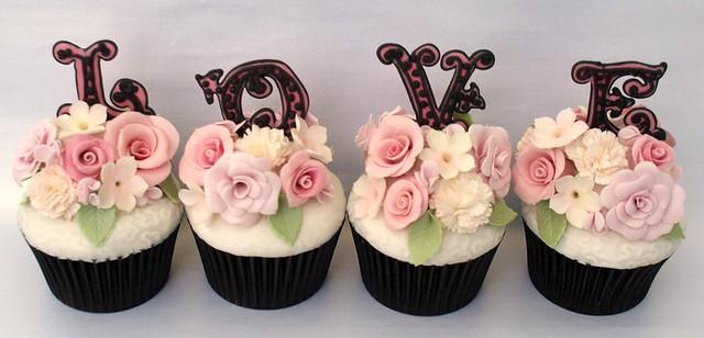 'Love' Cupcakes