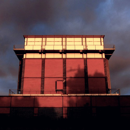 morning colour building brick bike architecture contrast sunrise richmond trail electrical substation burnley s95