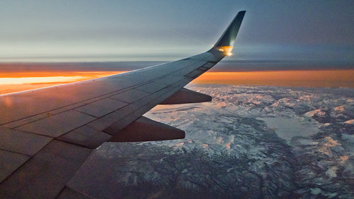 sky snow mountains plane sunrise flying sierra sierranevada