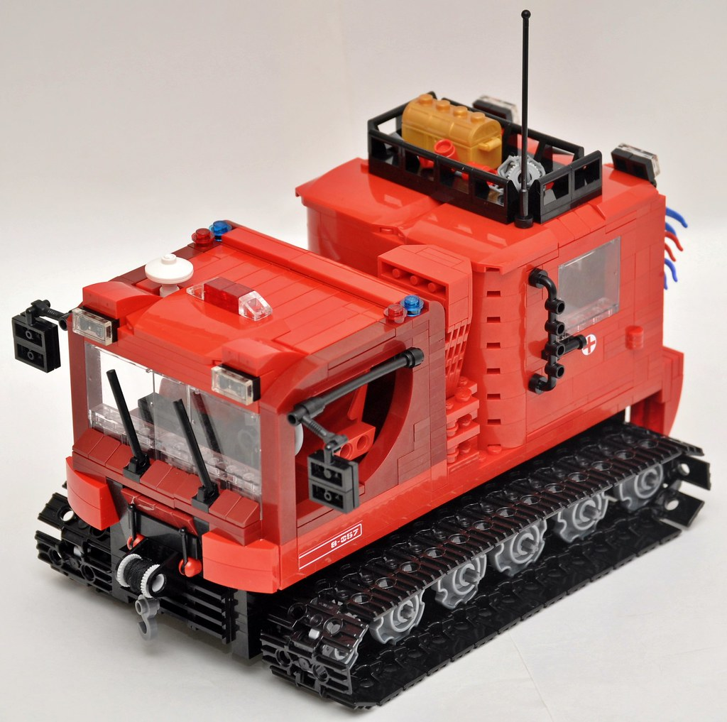 Rescue vehicle Pisten bully (snowcat) | For the challenge Lu… | Flickr