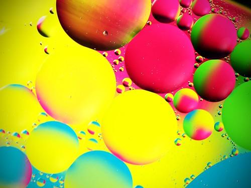 light abstract color macro water tripod © oil garyburke sigma105mmf28exdg remoteshutterrelease olympuse620 iusedtwo5homedepotshoplampsforthelightsource wellitsnotaduck winterboredomhasofficiallysetin ghettostudiolightset