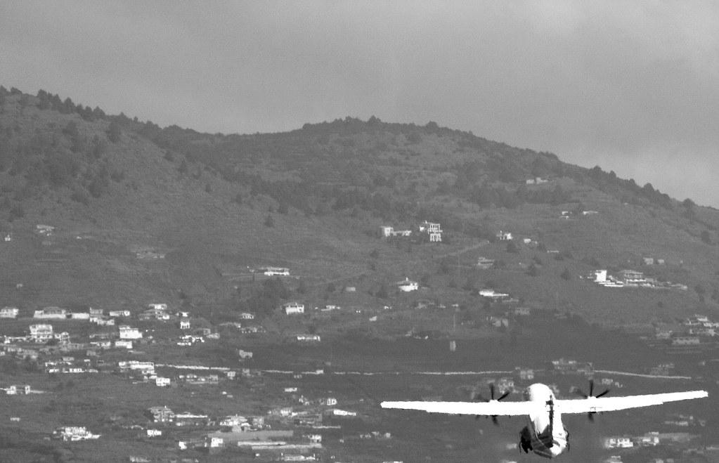 Binter, ATR 72 taking off from La Palma airport