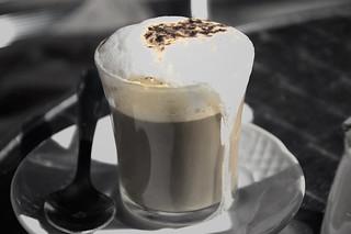 Tarde de sol y café I | by adesarmiento