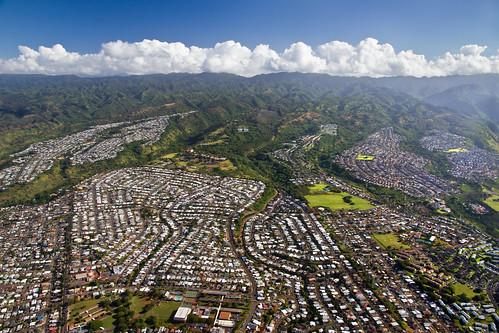 city houses homes hawaii aerial neighborhood housing pearl sprawl residential development pacificpalisades waimalu pearlcity koolaumountains