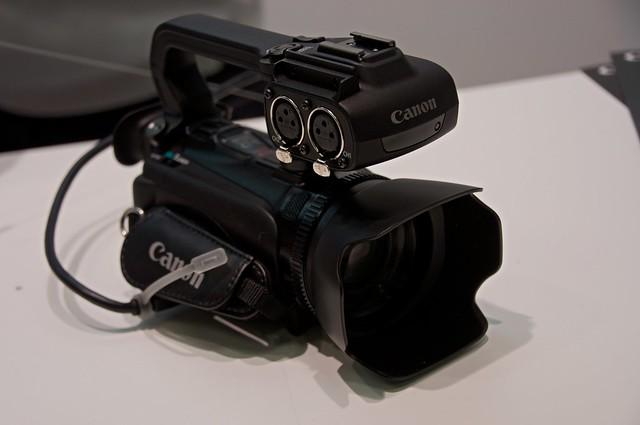 Canon iVIS HF XA10