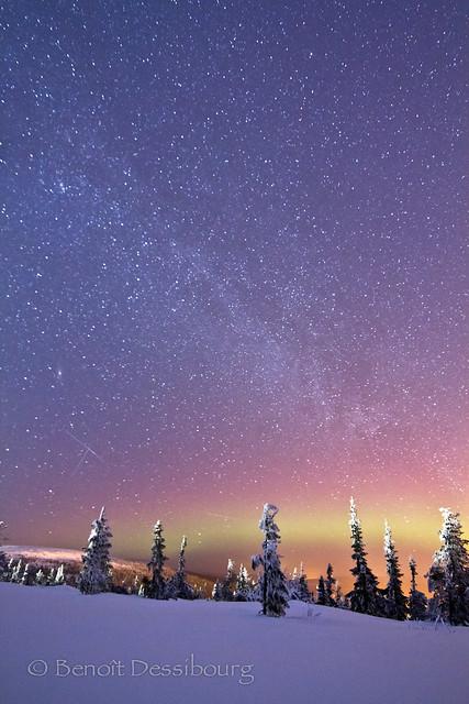 Lumières chaudes et nuit glaciale
