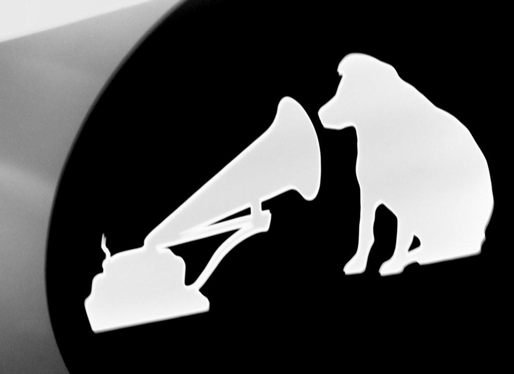 Hmv Dog Hmv Dog Logo In Black White Erin Xx Flickr