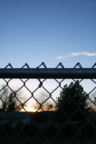 blue sunset sky fence chainlink ds471