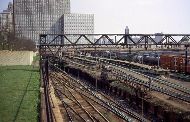 19680428 04 South Shore Line Randolph St. station