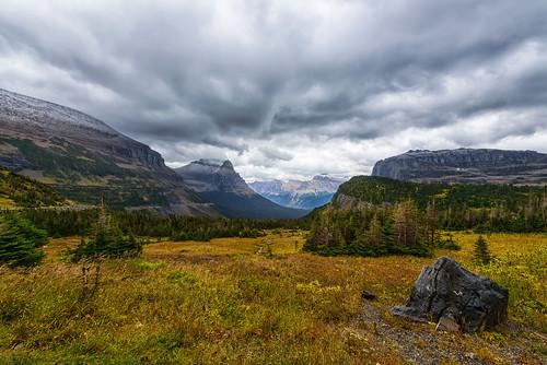 glaciernationalpark montana goingtothesunroad goingtothesunmountain loganpass snow autumn rockies nikon d800e