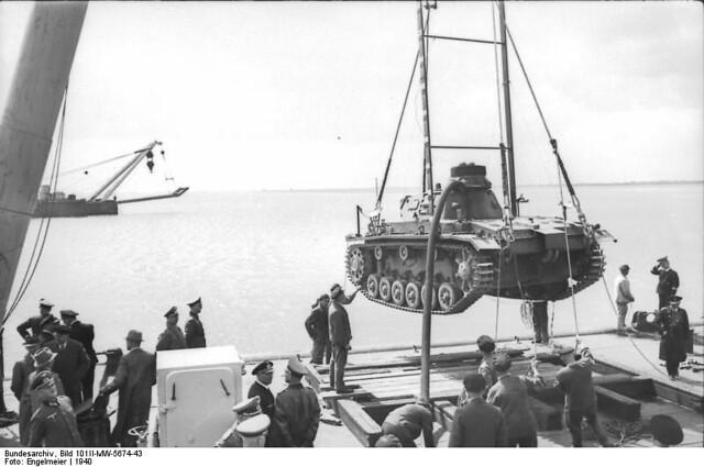 "Panzerkampfwagen III (3,7 cm Kw.K. L/45) Ausf. F(U) ""Tauchfahig"" (Sd.Kfz. 141)"