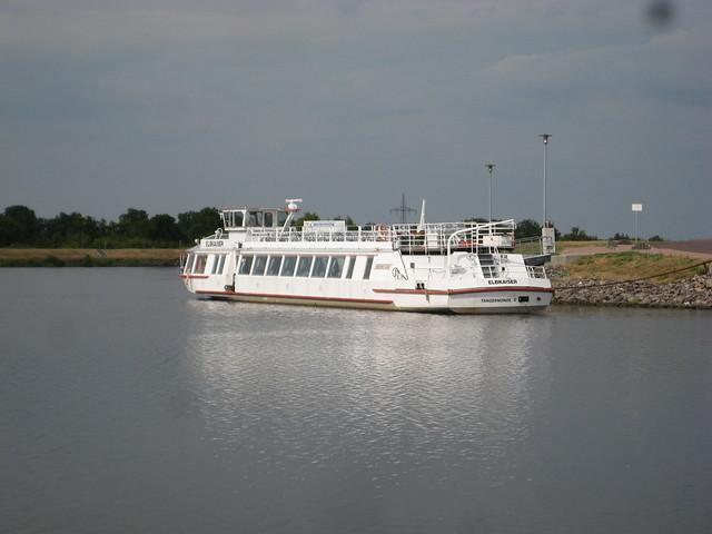 1991 Fahrgastmotorschiff FMS Elbkaiser (ex FMS Storkow) von Yachtwerft Köpenick bei Reederei Kaiser in Tangermünde Mittellandkanal in 39126 Magdeburg-Rothensee