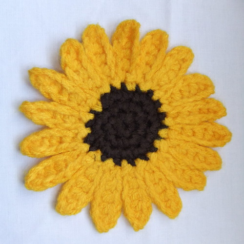 Dwarf Sunspot Sunflower Crochet Pattern (I) | by Siona Karen