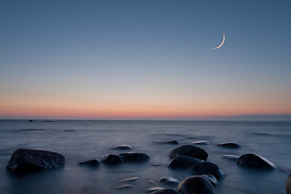 Moon, dusk & seascape 9344 | by Kain Kalju
