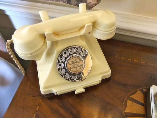 Old Bakelite telephone | by James Cridland