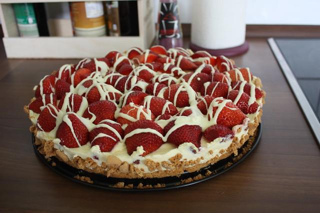 Almond-Strawberry-Cake with white chokolate