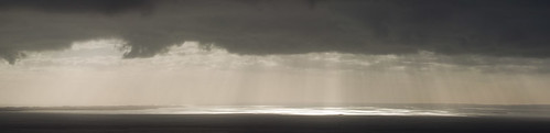 Rays of light on Port Phillip Bay | by will_hl