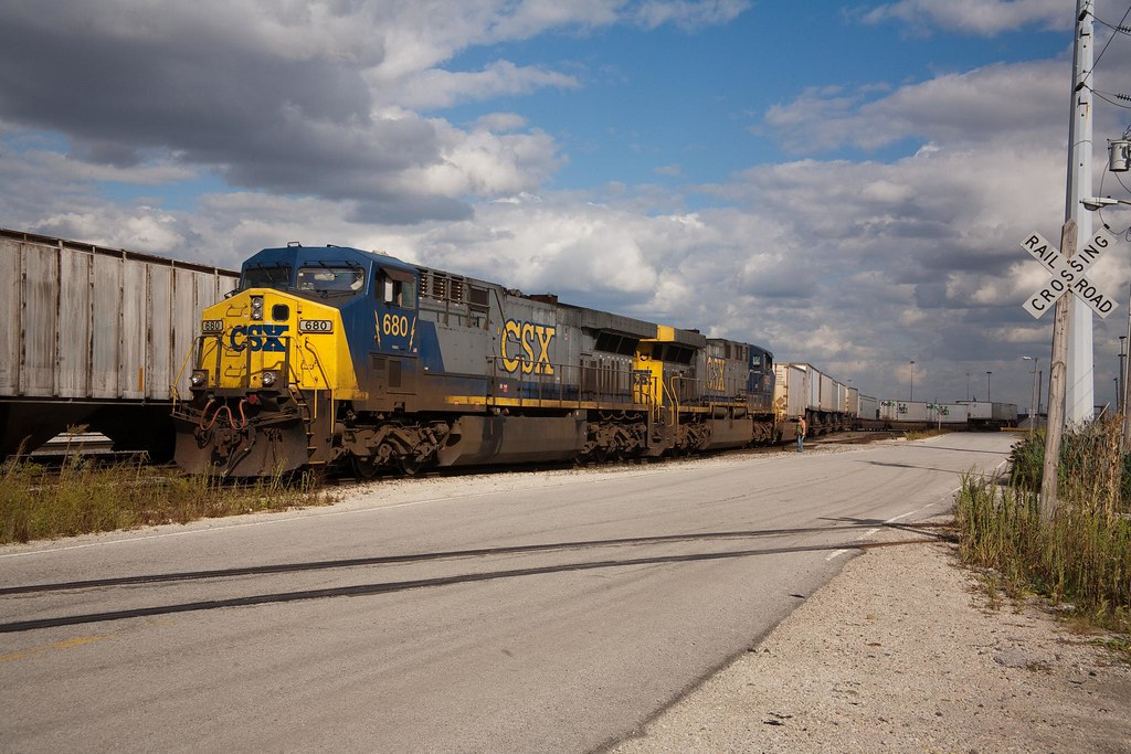 CSX 680 - Clearing Yard - Bedford Park, IL | Mike Murray