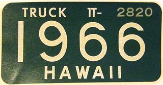 HAWAII 1966 ---TRUCK WINDSHIELD STICKER REVALIDATING 1961 UNDATED BASE LICENSE PLATE