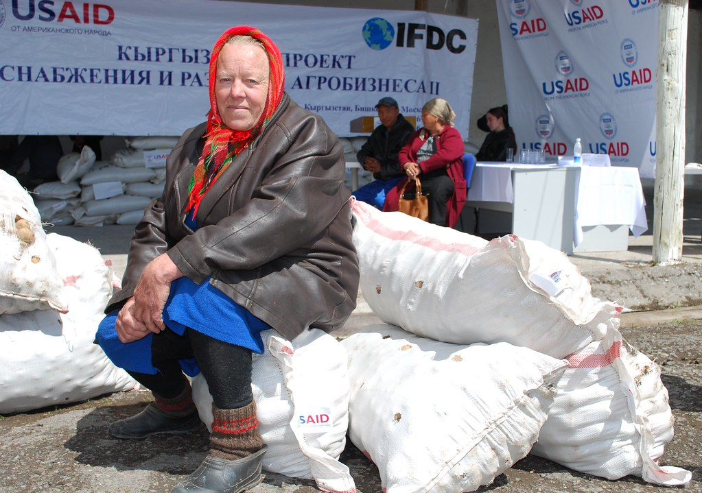 USAID and IFDC Launch Seed Assistance Voucher Program