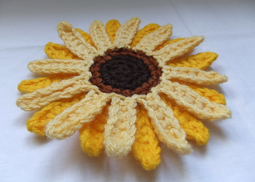 Giant Sunflower Crochet Pattern (II) | by Siona Karen