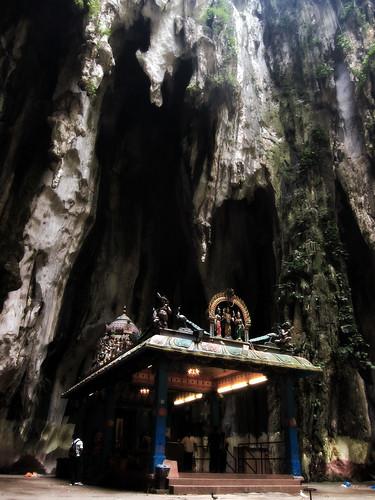2011.04.15 - Batu Caves, Kuala Lumpur   by Chasing Donguri