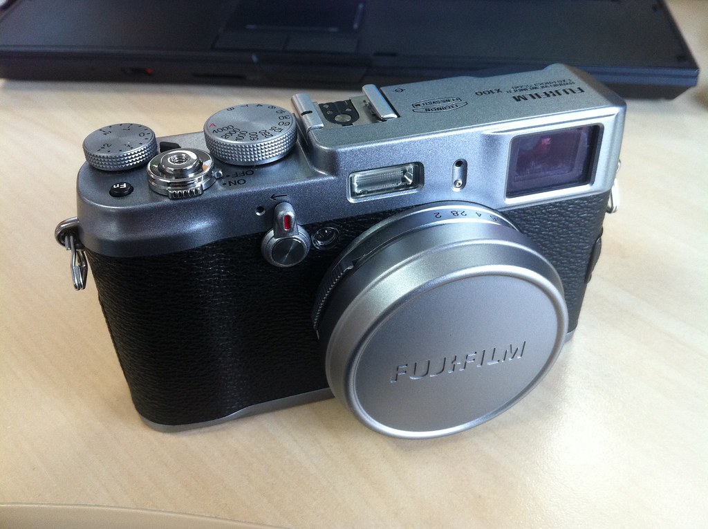 Fujifilm X100 | The vintage camera  Now get a hands-on treat