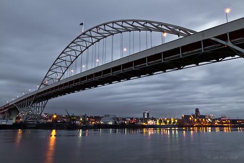 longexposure bridge oregon portland dawn pdx freemontbridge portlandbridges