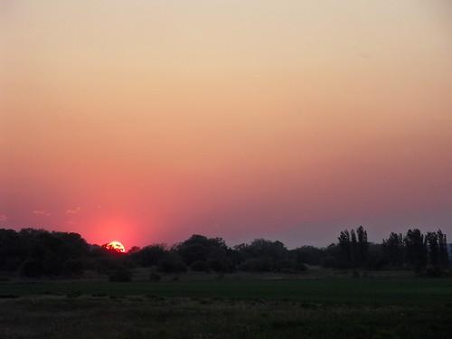 sunset sky landscape la tramonto cielo crau