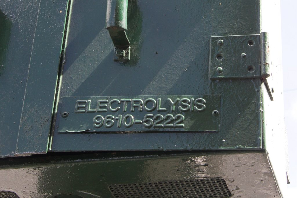 Electrolysis - call this number! by Marcus Wong