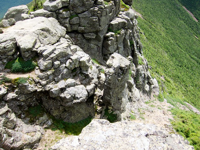3:09:55 (53%): hiking newhampshire whitemountains franconianotch mtlafayette franconiaridgetrail mtlincoln franconiarange